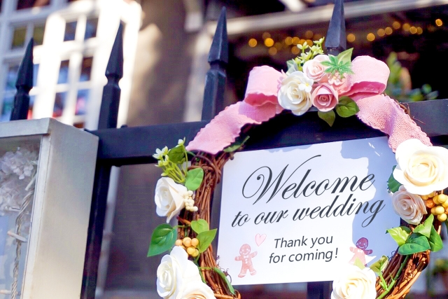 結婚式場やレストランウェディングでのウェルカムリース